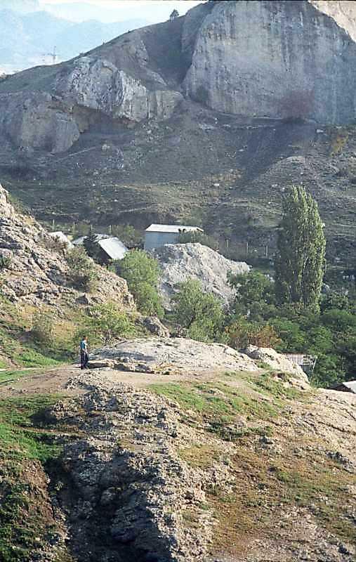Церква на північний схід від фортеці