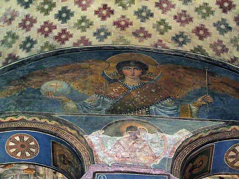 2004 р. Ангел (верхня частина західної стіни центральної нави. Вигляд зі сходу)