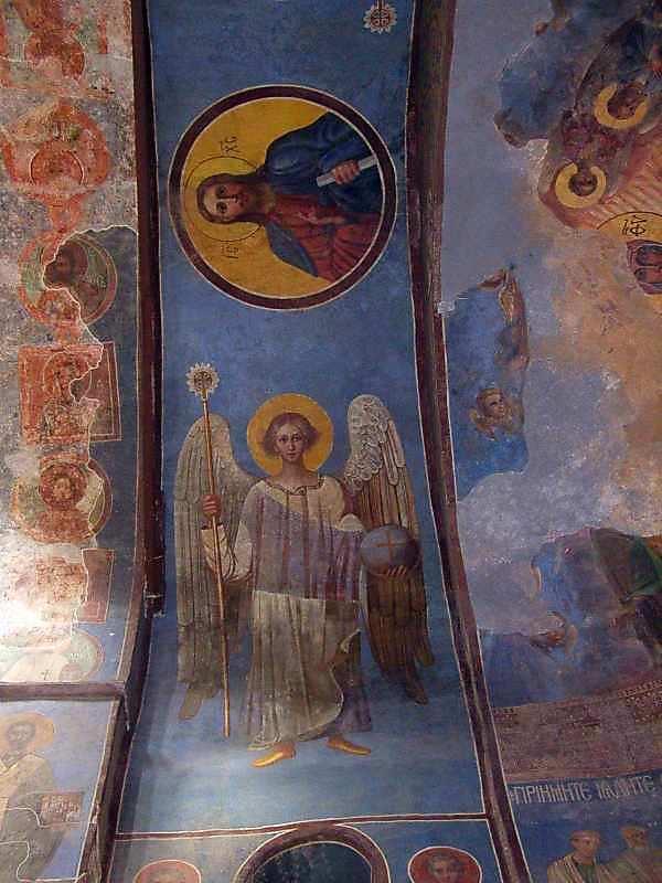 2005 р. Ангел та Христос на північній щоці віми центральної нави