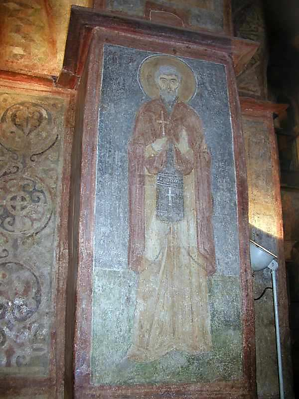 Невідомий святий (південно-східна грань стовпа між 3-м та 4-м від сходу відділеннями)