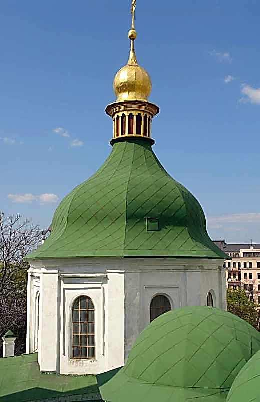 2007 р. Середній купол північно-західного фасаду. Вигляд з південного сходу