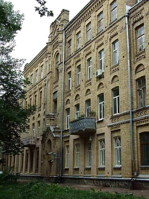 2007 р. Центральна частина східного фасаду. Вигляд з північного сходу