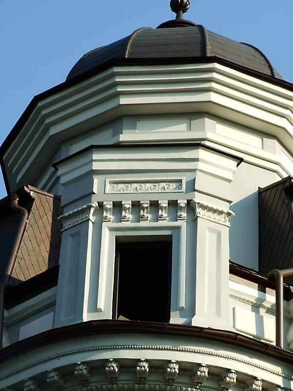 Наріжна вежа