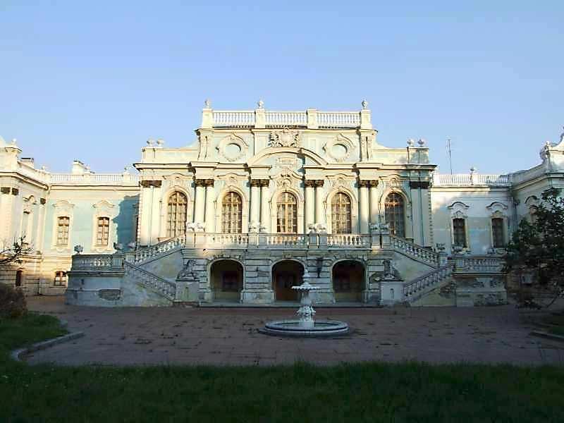 2007 р. Центральна частина паркового фасаду