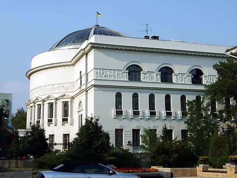 2007 р. Бічний фасад з боку бульв.Шевченка