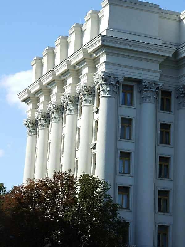 2007 р. Бічний фасад по вул.Десятинній