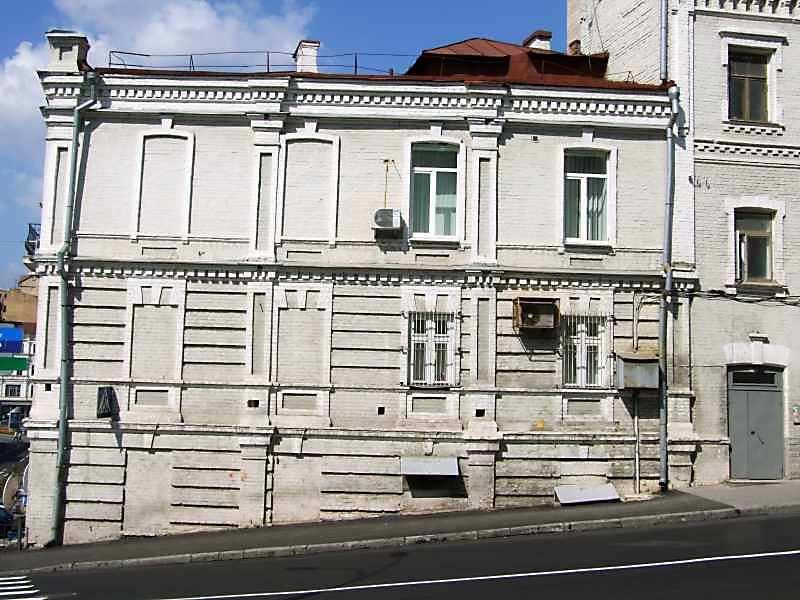 2007 р. Фасад по вул.Круглоуніверситетській