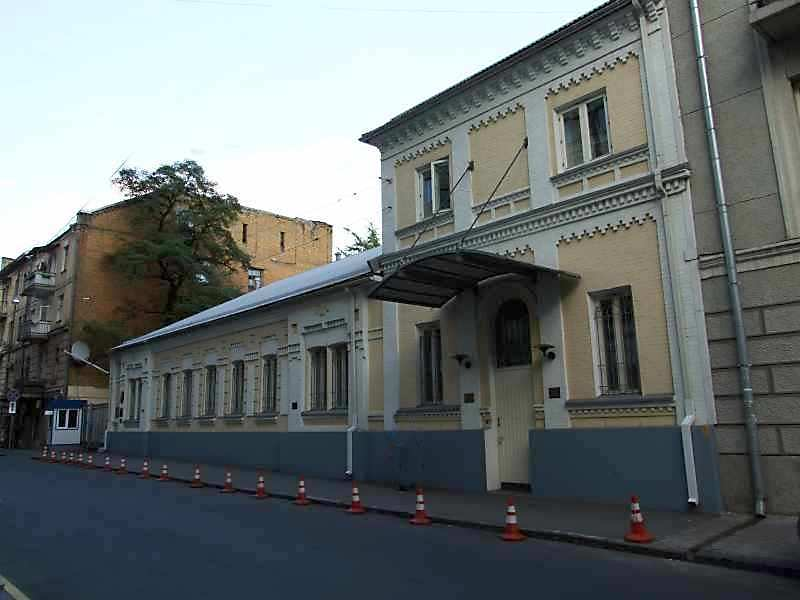 Будинок по вул.Стрілецький, 15 в Києві
