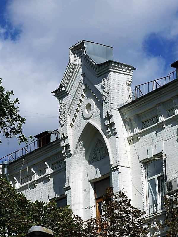 2007 р. Фрагмент фасаду по вул.Почайнинській