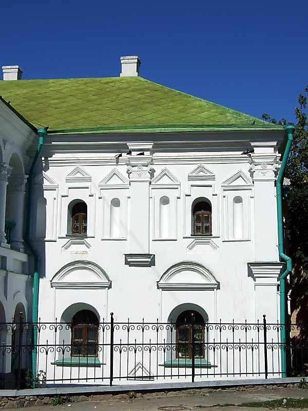 2007 р. Права частина головного фасаду