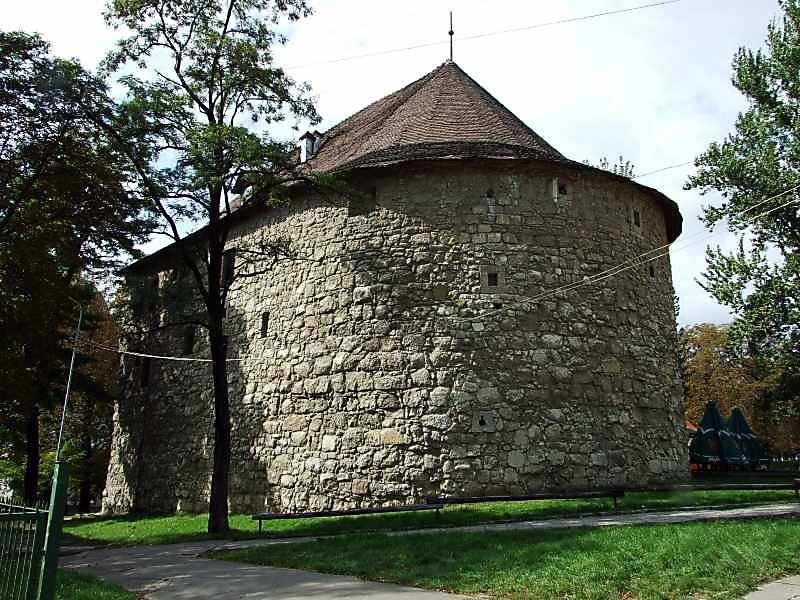 Порохова башта (вул.Підвальна, 4)