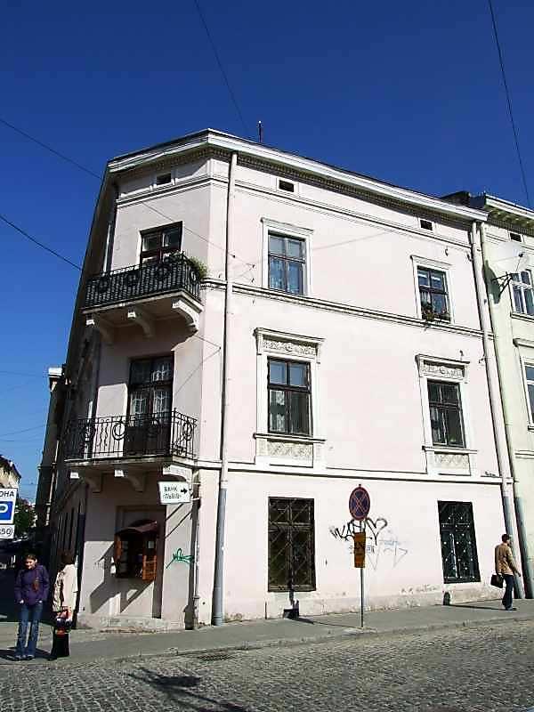 2007 р. Фасад по вул.Валовій