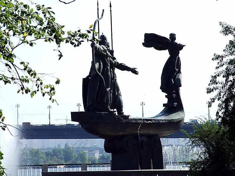 Пам'ятний знак на честь заснування міста Києва