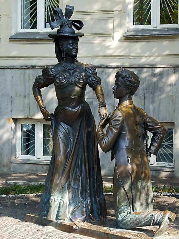 Пам'ятник Проні Прокопівні та Голохвастову