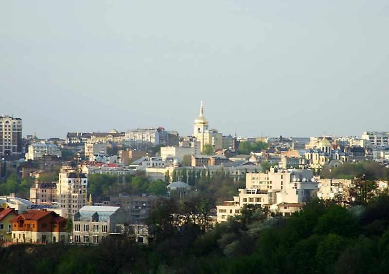 2008 р. Вид з гори Залізничного масиву…