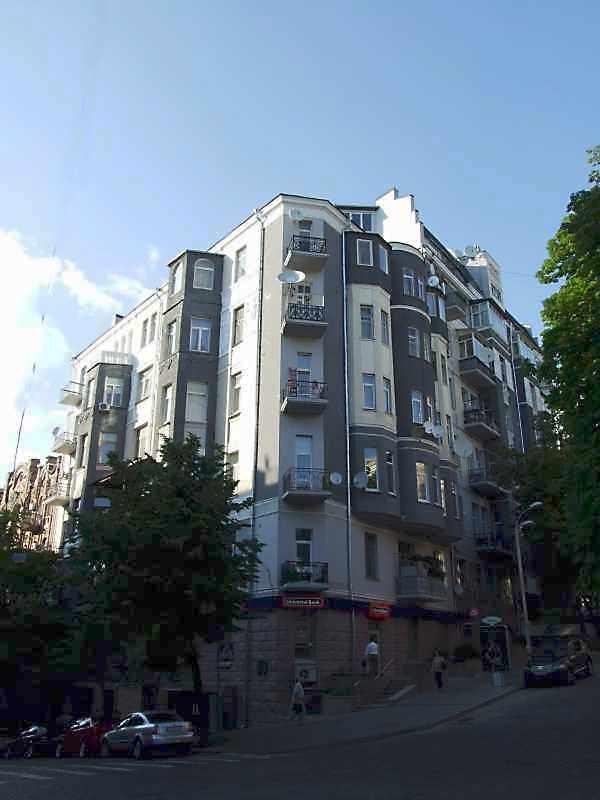 2008 р. Загальний вигляд (зліва – вул.…