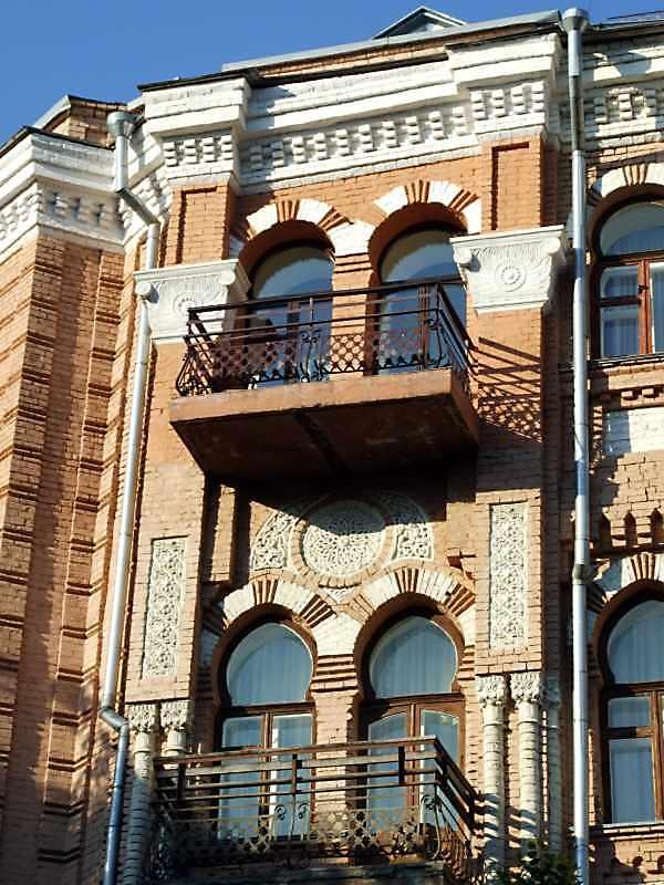 Фрагмент фасаду 3 і 4-го поверхів