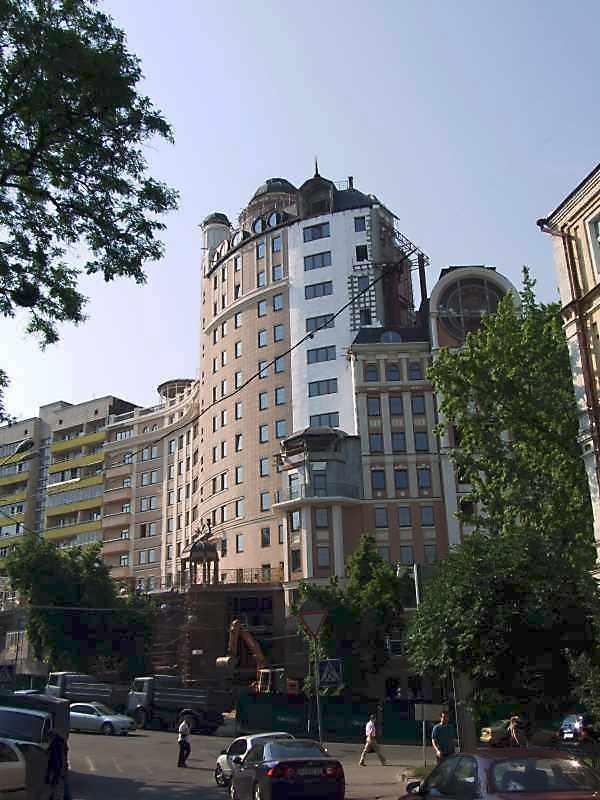 2008 р. Загальний вигляд з вул.Вєтрова