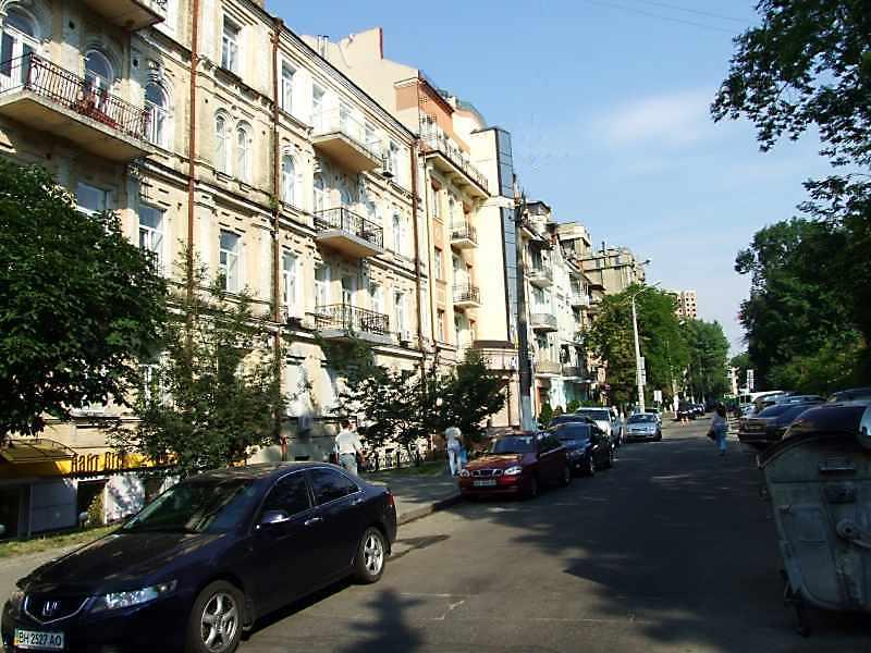 Назарівська вул.