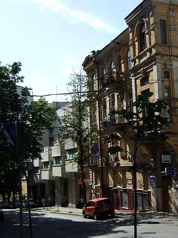 2008 р. Будинки № 11, 17 у перспективі…