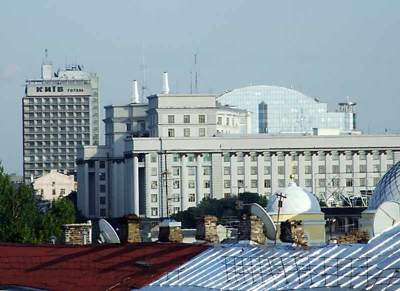 """Готель """"Київ"""" та Кабінет міністрів"""