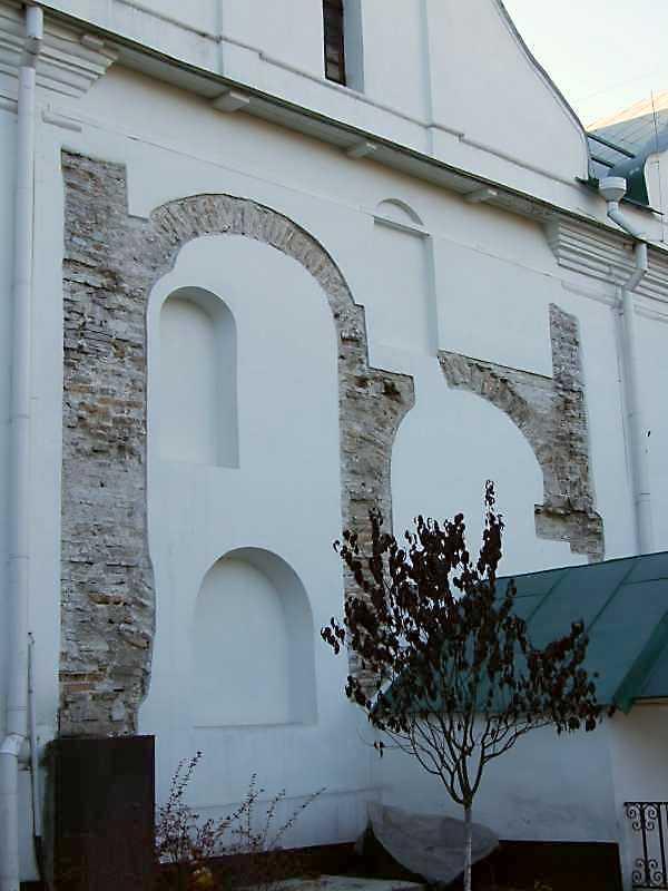 Фрагмент фасаду із зондажами