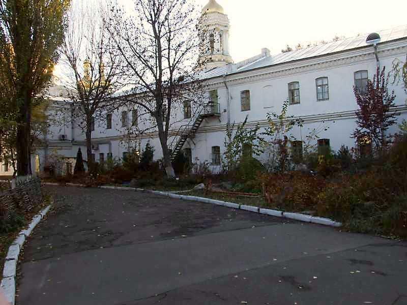 2008 р. Південна частина східного фасаду. Вигляд з північного сходу