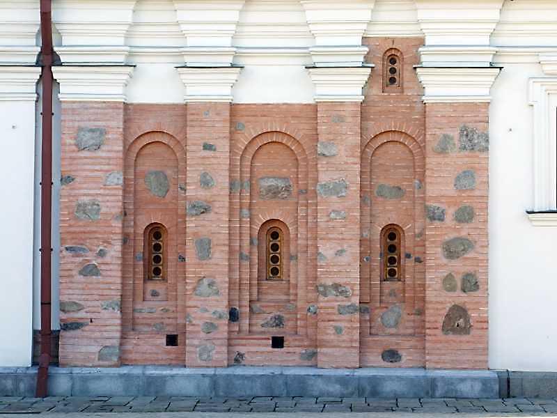 Фрагмент фасаду церкви св.Іоана Предтечі