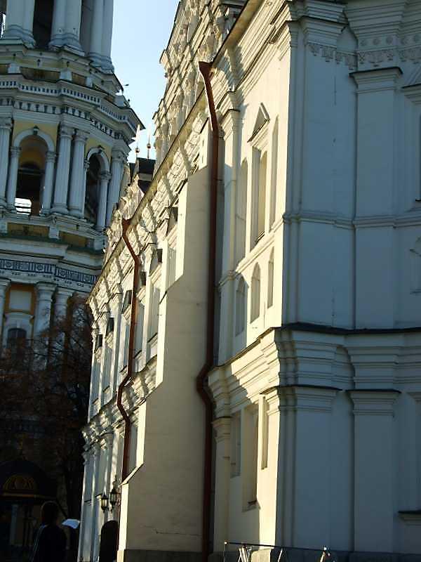 Південний фасад в ракурсі