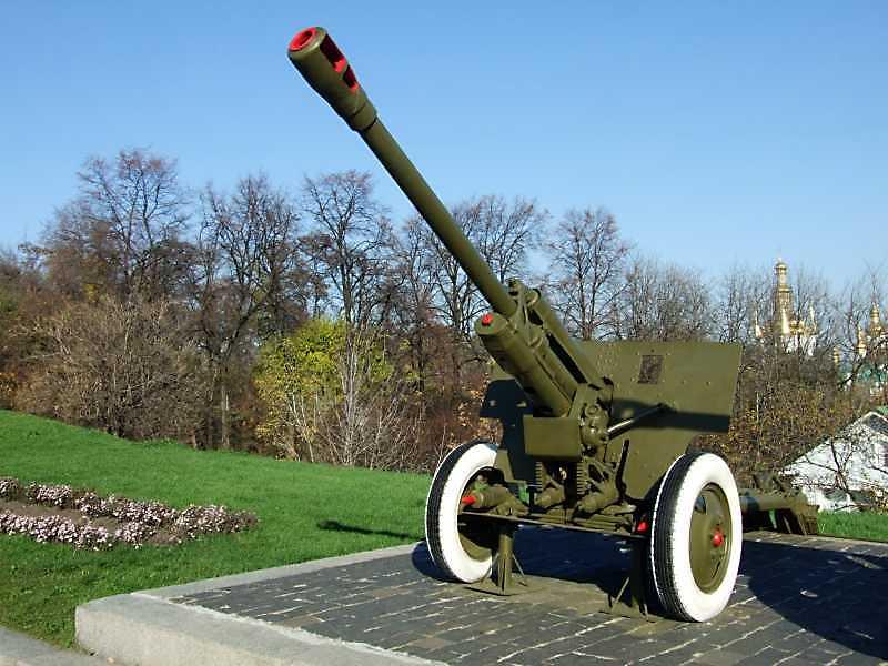 76-мм дивізійна гармата ЗІС-3 зразка…