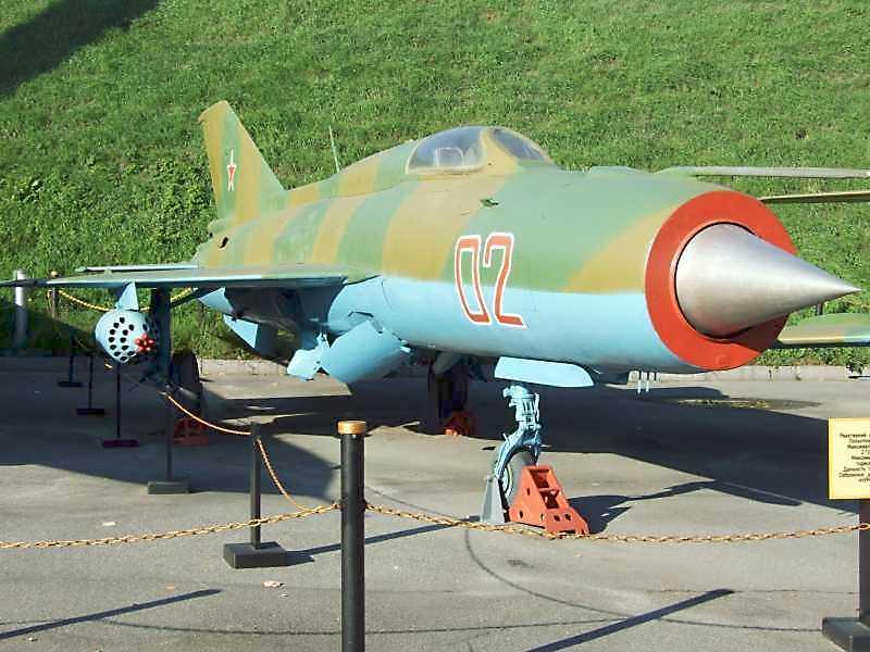 Реактивний винищувач МіГ-21