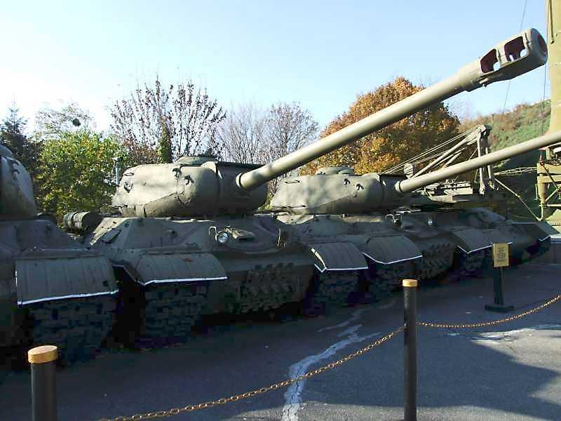 Важкий танк ЙС-2 зразка 1943 р.