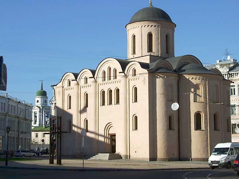 Церква Пирогощі