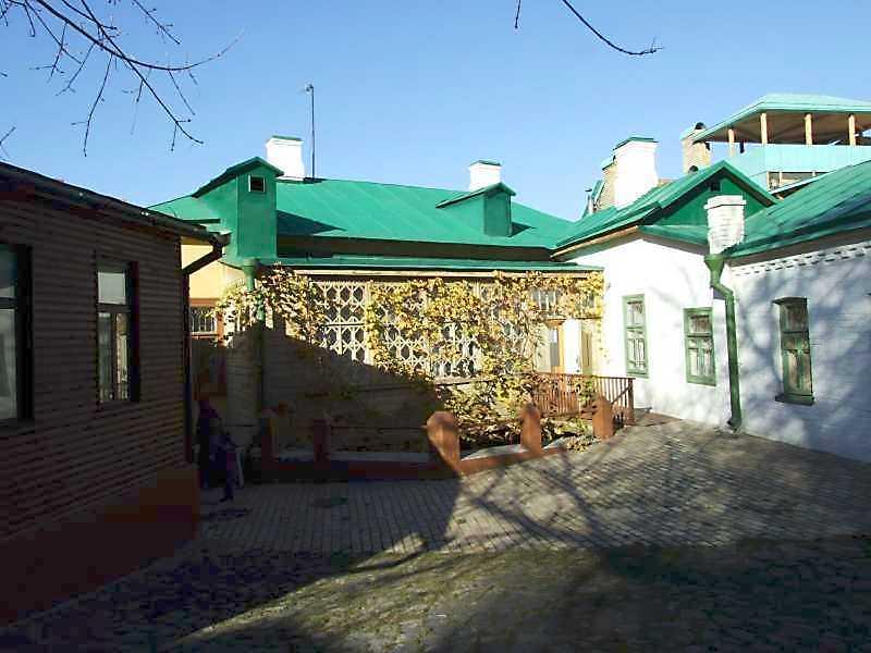 2008 р. Загальний вигляд з боку двору