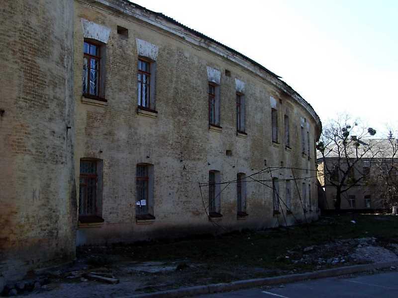 2009 р. Фрагмент зовнішнього фасаду.…