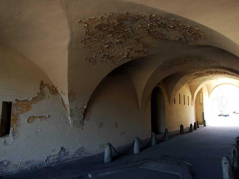 2009 р. Проїзд брами. Східна стіна.…