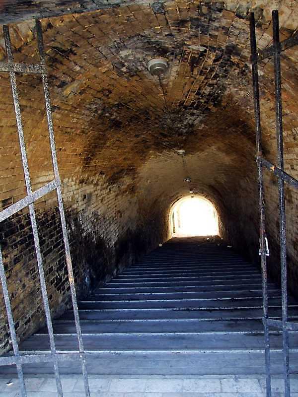 2009 р. Тунель. Вигляд зі сходу