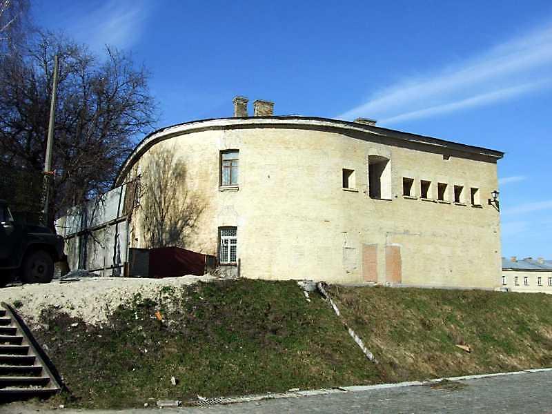 2009 р. Торцевий фасад західного…