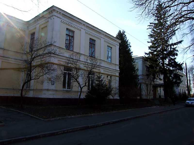 2009 р. Головний фасад. Вигляд з…