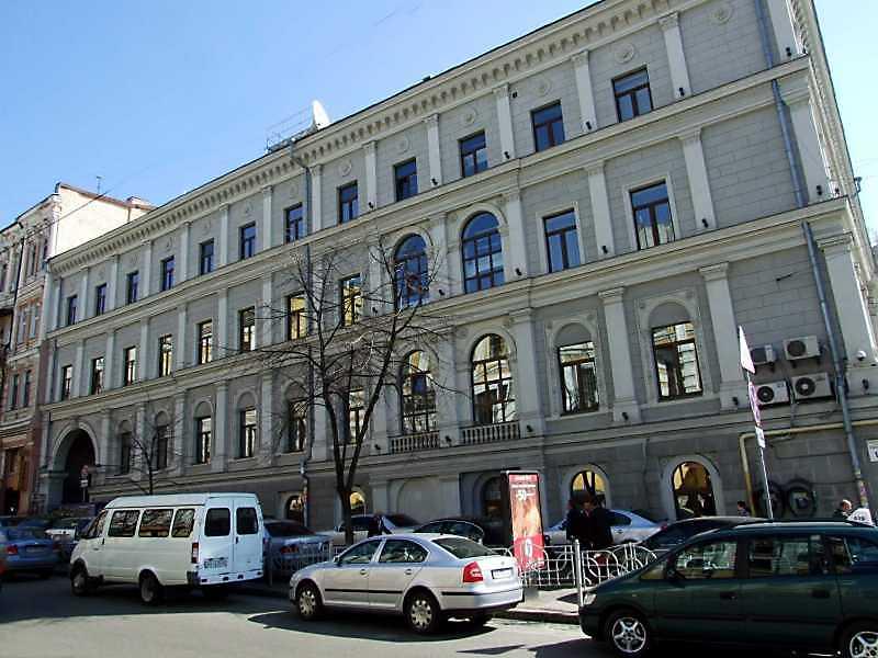 2009 р. Фасад по вул. Пушкінській