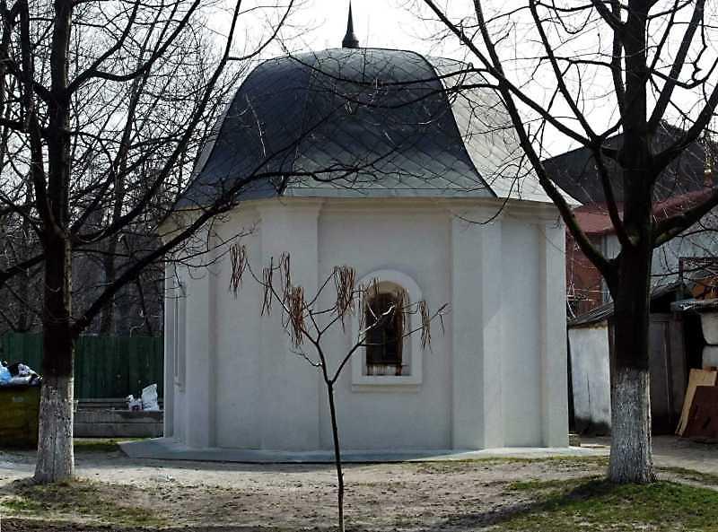 Каплиця 1 (на схід від церкви Входу в…