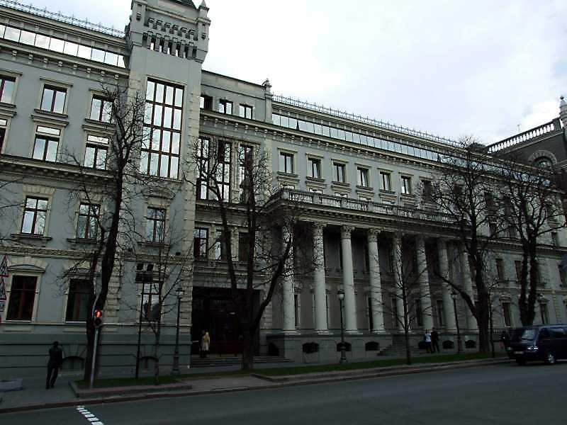 2009 р. Головний фасад 2-го корпусу