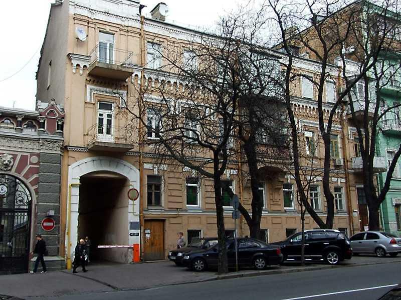 Житловий будинок з історією (№ 11а)