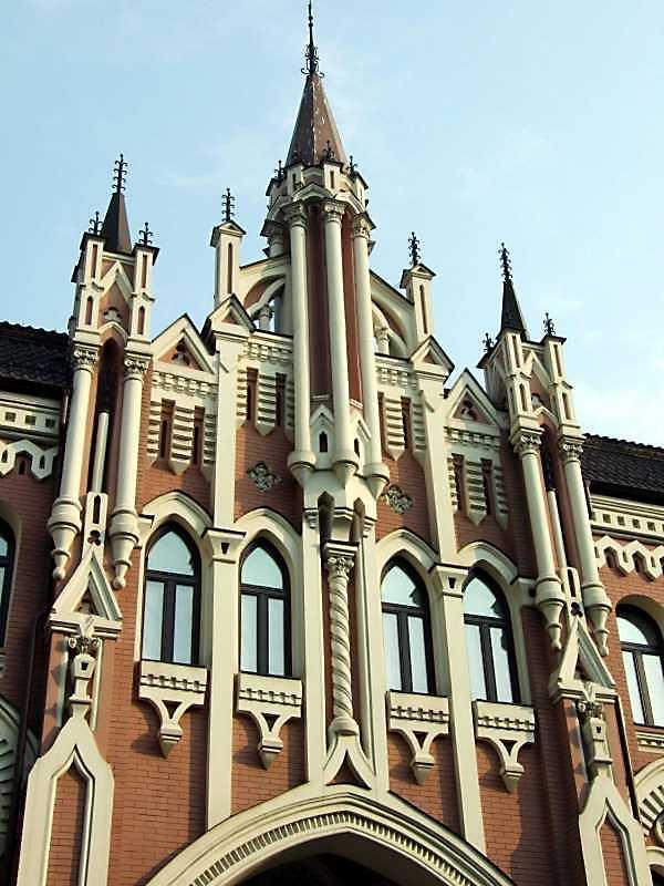 3-й поверх і фронтон
