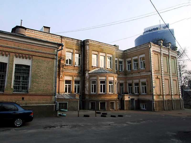 2009 р. Фрагмент бічного фасаду