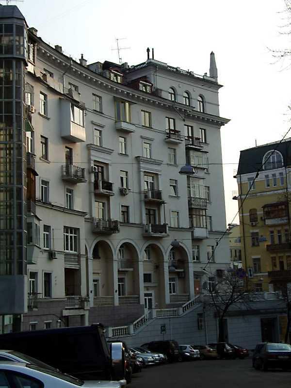 2009 р. Фасад по вул. Банковій
