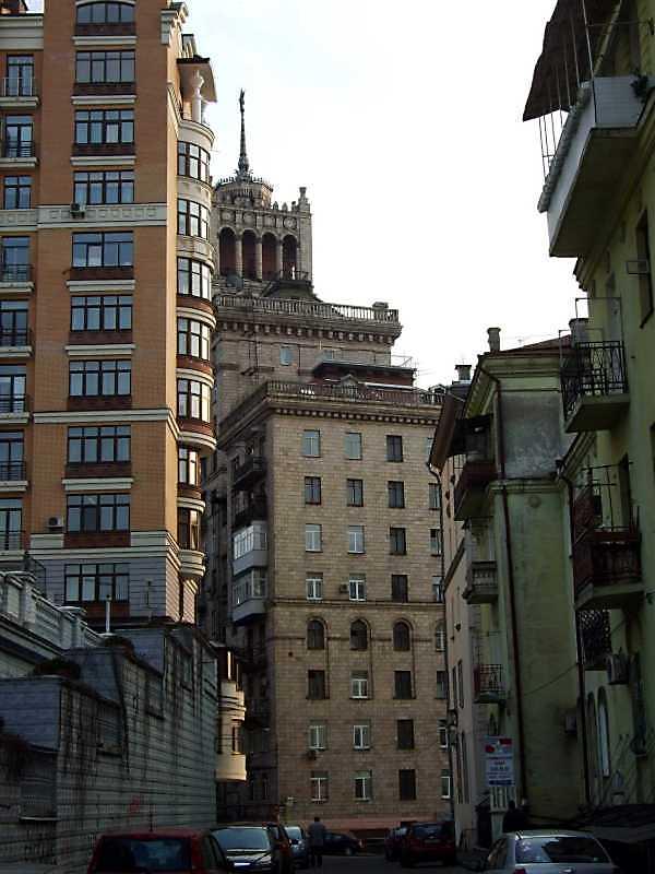 2009 р. Торцевий фасад. Вигляд з вул.…