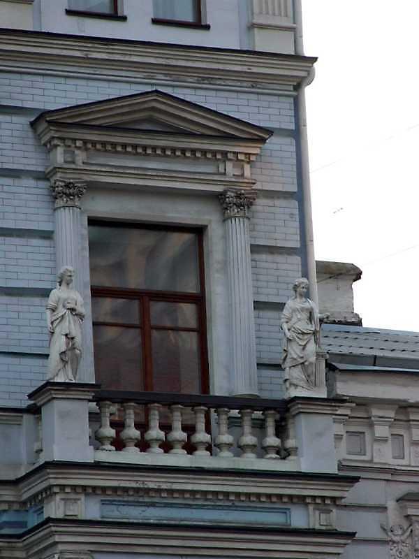 Вікно 3-го поверху (праве)