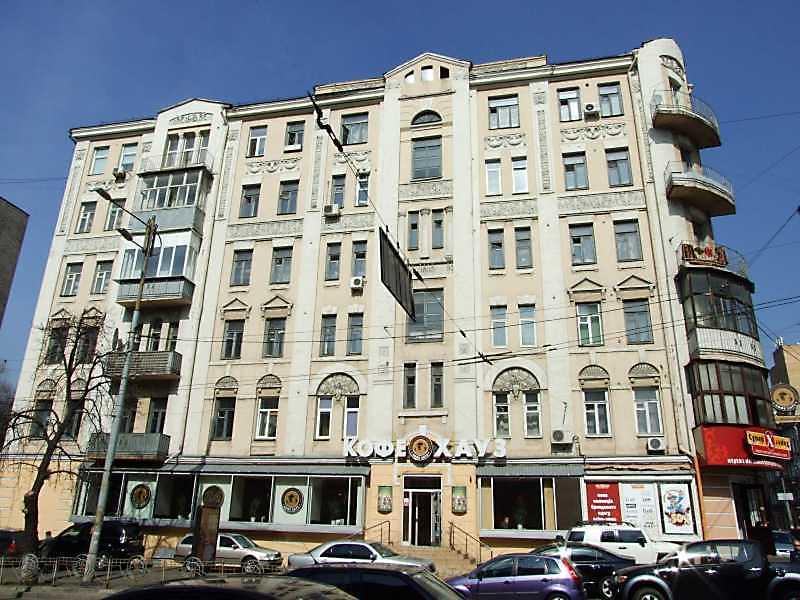 2009 р. Фасад по вул. Л.Толстого