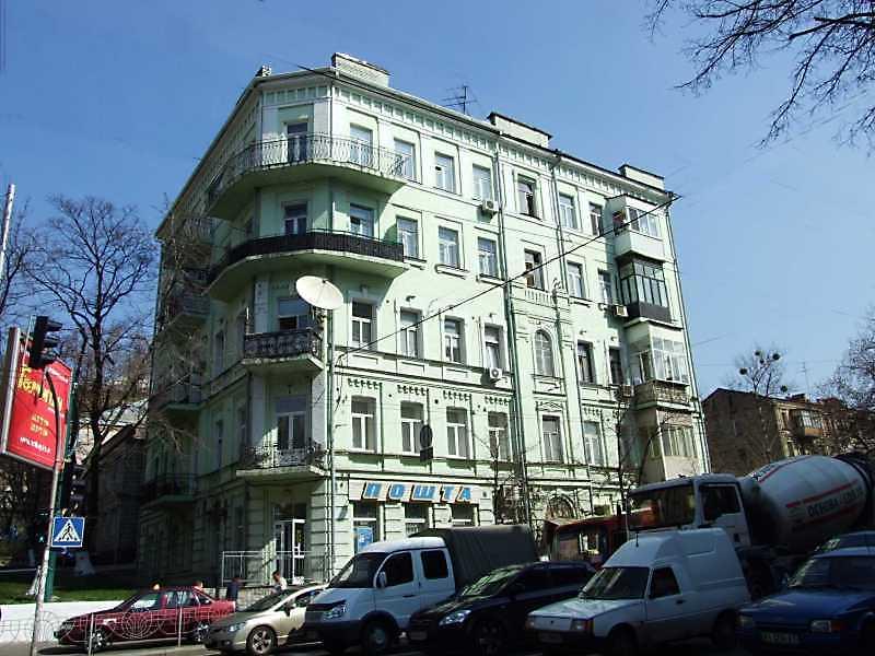 В будинку по вул. Саксаганського, 48 у Києві в 1909 році працювала редакція української газети «Село», заснованої та підтримуваної М. С. Грушевським.